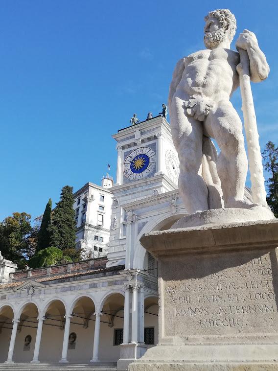 """Premiazione dei  """"NONNI PIU'"""" in Castello – Udine             9 ottobre 2020"""